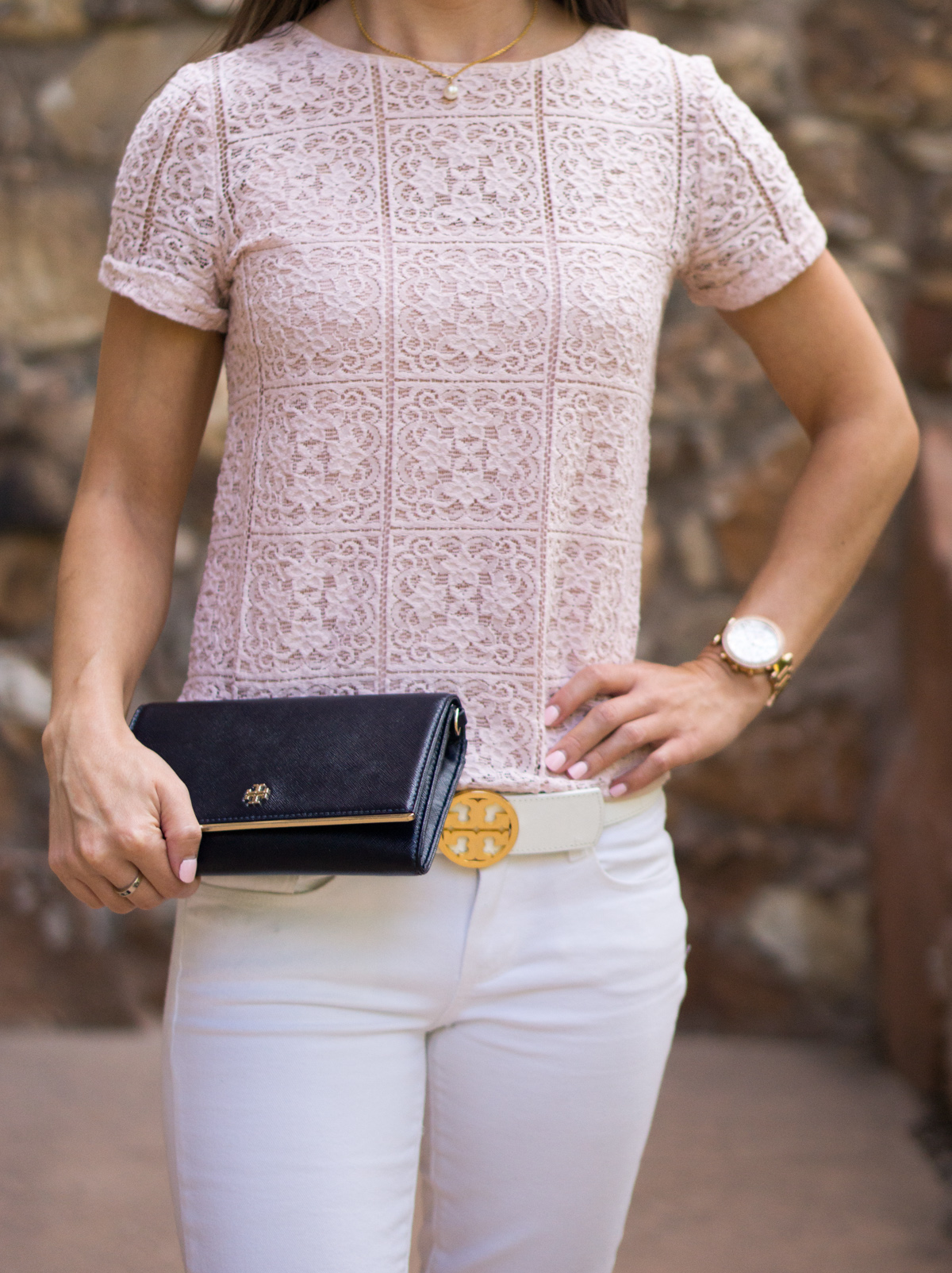 3 Reasons Why a Statement Belt is a Wardrobe Essential | Why I love the Tory Burch Reversible Logo Belt | Petite-friendly belt | Best Belt Review