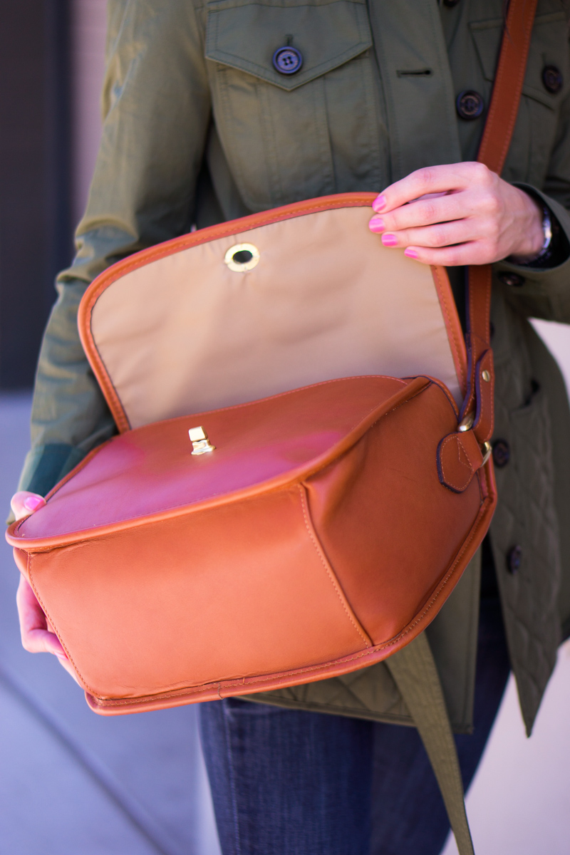ONA Palma Camera Bag Review | Best camera bag for travel | Traveling in style with versatile, stylish and simple designed camera bags | Blogger or travel photographer camera bag | Bowery camera bag | Brooklyn camera bag review Burberry Whitworth Jacket