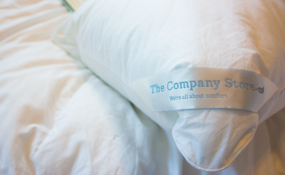 Best Luxury Bedding | The Company Store Legend Baffled Damask Comforter  Review | New Lacrosse Loftaire