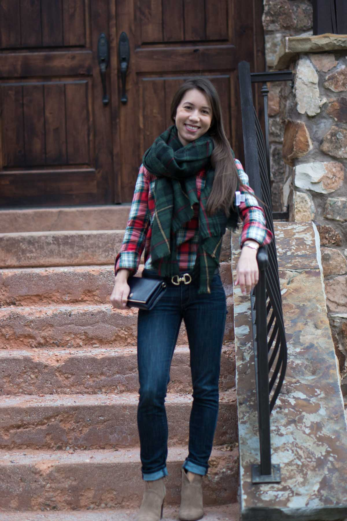 Outfit Inspiration  5 Easy Fall Outfit Ideas - Petite Style Script c1fff3bfa