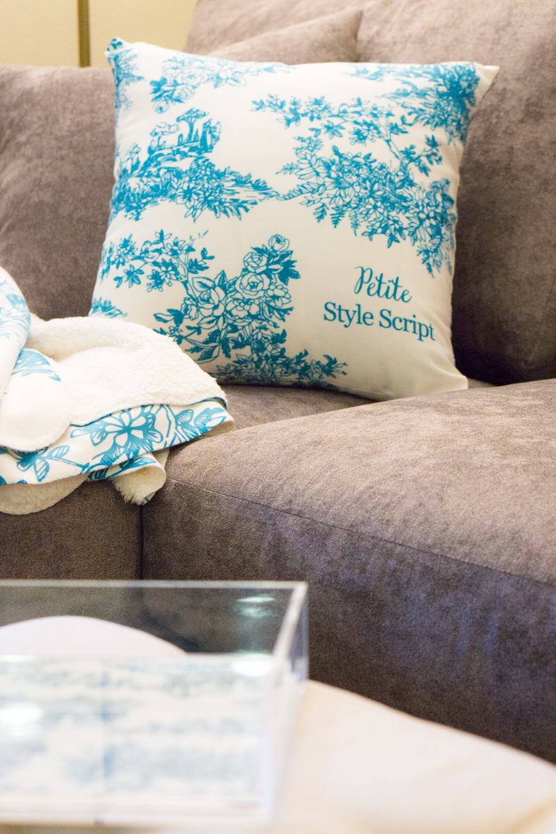 Erin Condren Home Décor Review | Sherpa Throw Review | Throw Accent Pillow  | Toile Y