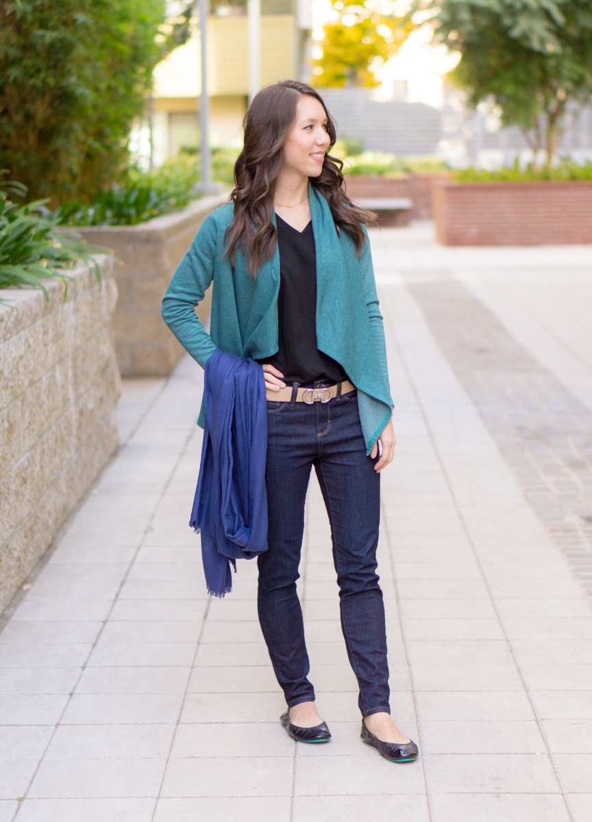 ca6cdd37f80b3 3 Go-To Travel Outfits // What to Wear on a Plane - Petite Style Script