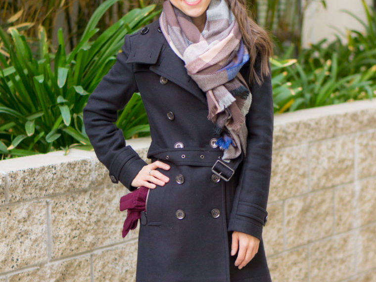 How to Style Winter Scarves | How to style blanket scarves | scarf tutorial video | Infinity scarf review | Krochet kids | Nordstrom tissue scarf review | Nordstrom Sole Society blanket scarf | plaid windowpane scarf | Banana republic wool camel black scarf | petite fashion and style blog