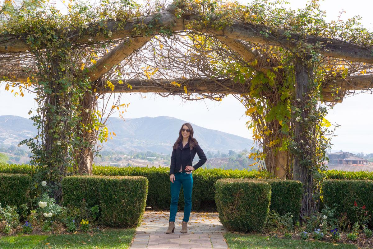 Temecula Travel Guide | Local weekend wine country getaway | South Coast Winery review | The Restaurant at The Ponte | cabaret red wine | sister's weekend | erin condren gratitude journal | deluxe monthly planner| spa | vineyard rose restaurant | ann taylor black moto jacket | teal green jeans | petite fashion style blog | travel blogger